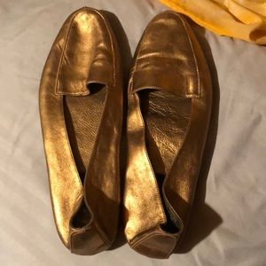 Aerosole Gold Slipper Shoes 10 B